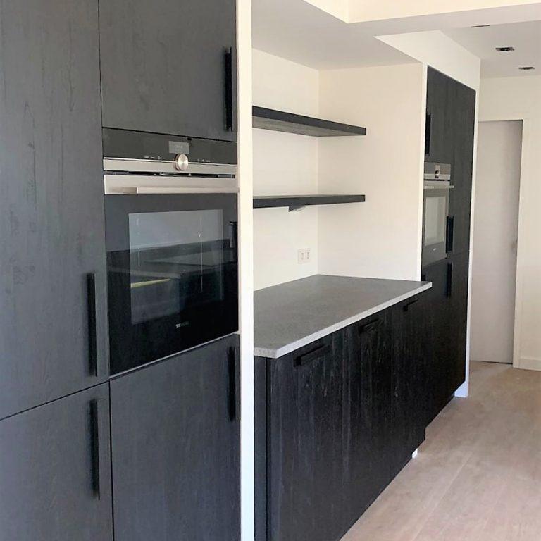 ellen-herber-interieurvormgeving-verbouwing-keukenwand-met-verdiept-aanrechtblad-nis